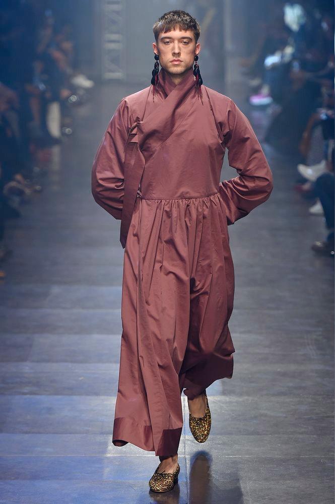 Vivienne-Westwood-Gold-Label-SS16-fy10