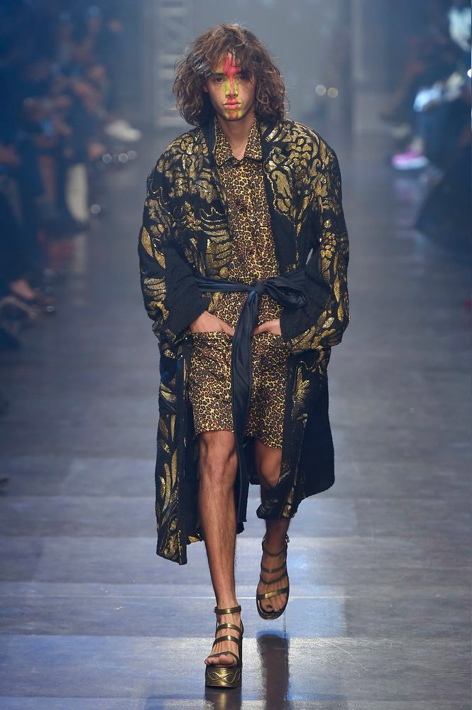 Vivienne-Westwood-Gold-Label-SS16-fy11