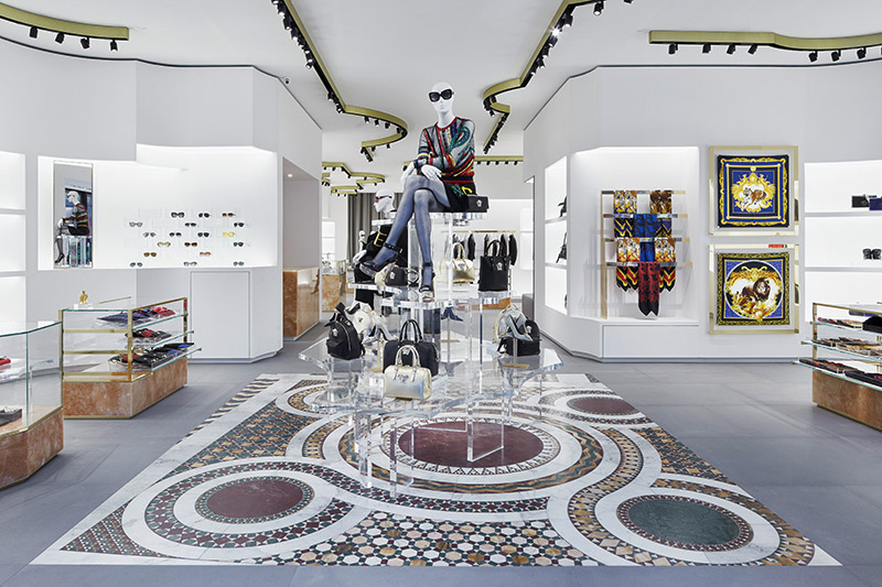 Versace-Opens-in-Berlin_fy2