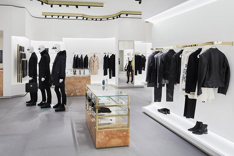 Versace-Opens-in-Berlin_fy3