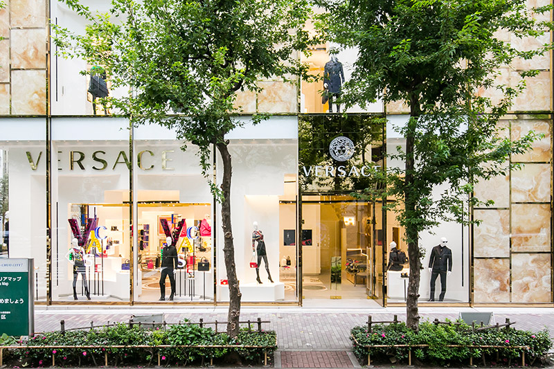Versace-opens-a-new-boutique-in-Tokyo_fy2