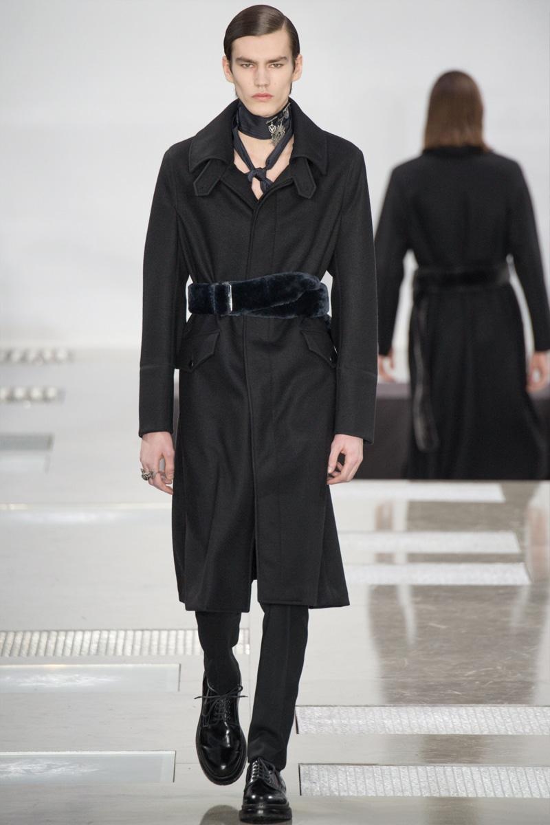Louis-Vuitton_fw16_fy40