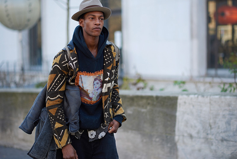 Paris-Fashion-Week-FW16---Models-off-Duty-fy12