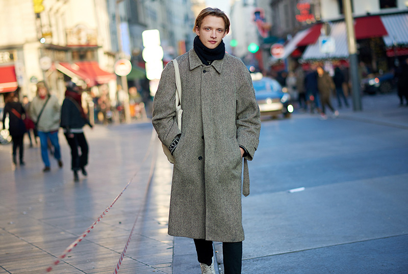 Paris-Fashion-Week-FW16---Models-off-Duty-fy2