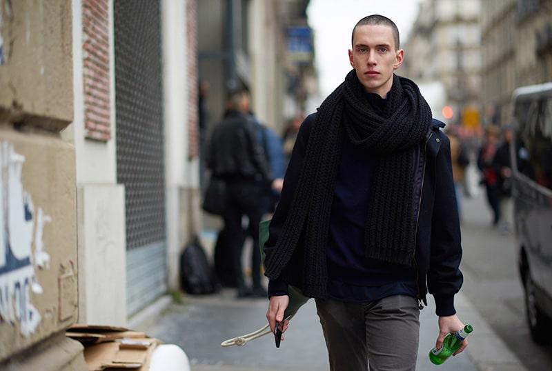 Paris-Fashion-Week-FW16---Models-off-Duty-fy23
