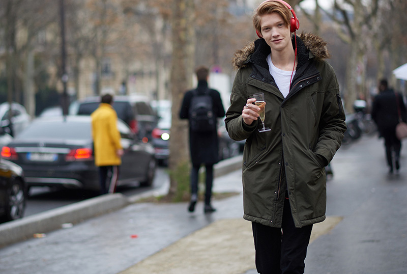 Paris-Fashion-Week-FW16---Models-off-Duty-fy30