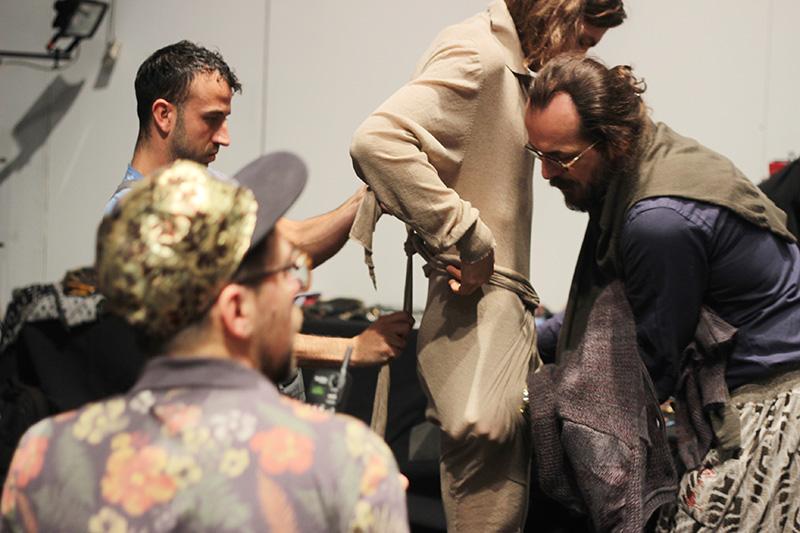 Vivienne-Westwood-FW16-Backstage_fy8