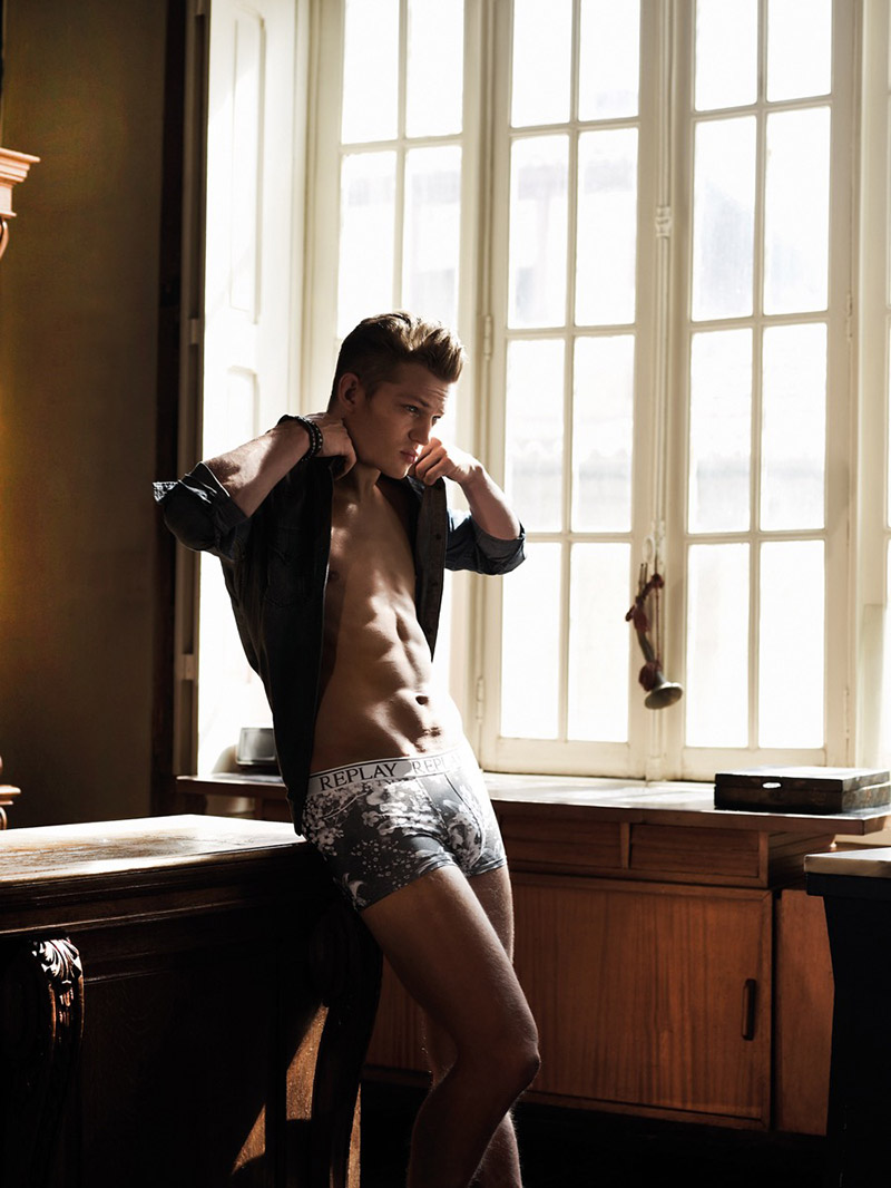 Replay-SS16-Underwear-Campaign_fy6