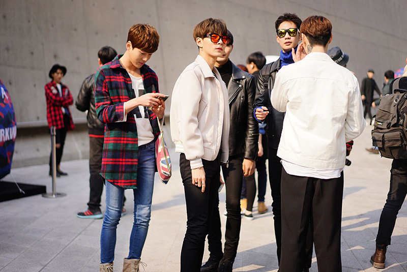 Seoul-Fashion-Week-FW16_streetstyle_part1_fy22