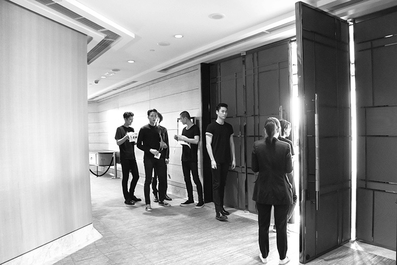 Dior-Homme-FW16-Show-in-Hong-Kong---The-Fitting_fy1