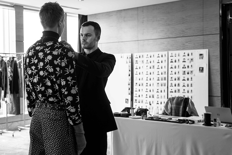 Dior-Homme-FW16-Show-in-Hong-Kong---The-Fitting_fy7