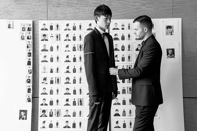Dior-Homme-FW16-Show-in-Hong-Kong---The-Fitting_fy9