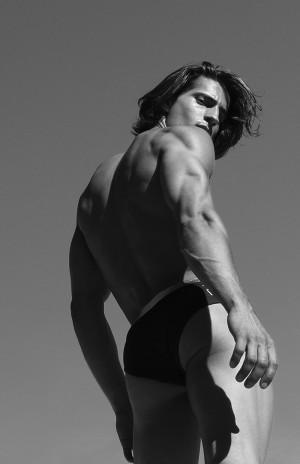 RUFSKIN-2016-Swimwear-Campaign_fy8