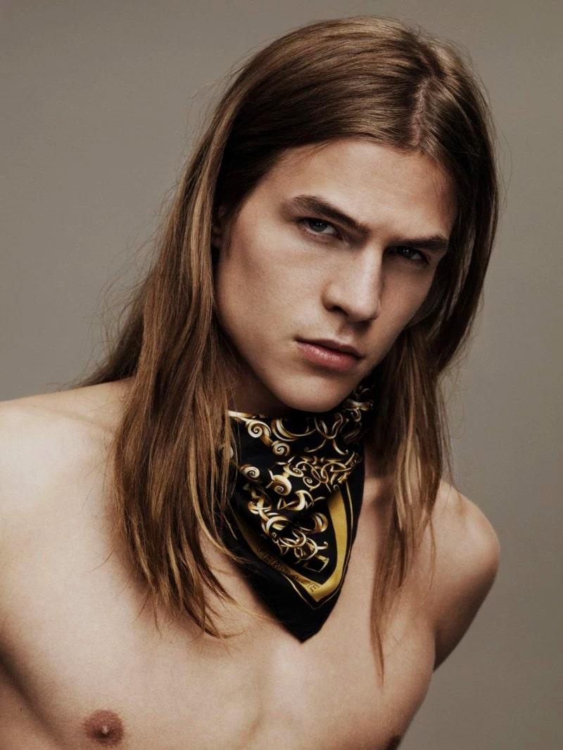 Versace-Scarves-2016-Campaign_fy3