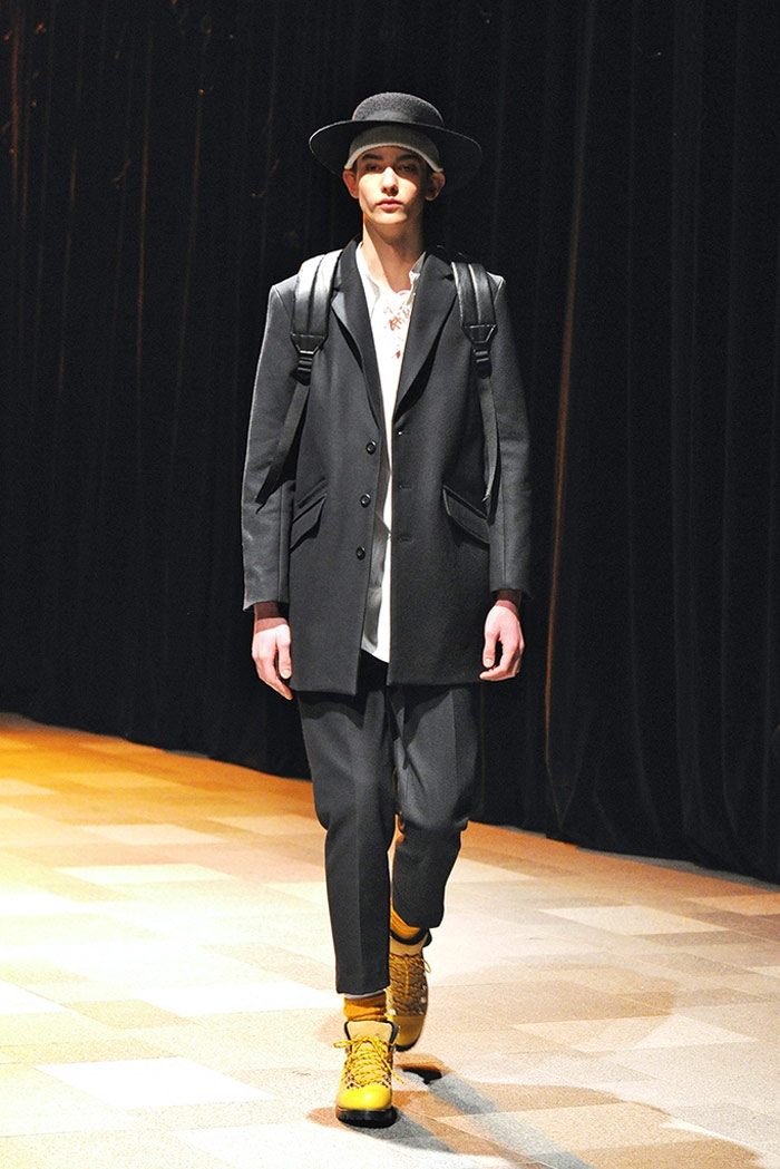discovered-fw16-tokyo-mbfwt-fy32
