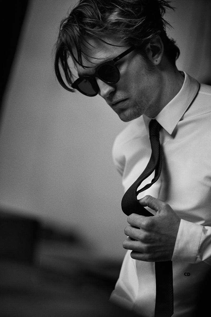 Robert-Pattinson-by-Peter-Lindbergh_fy1