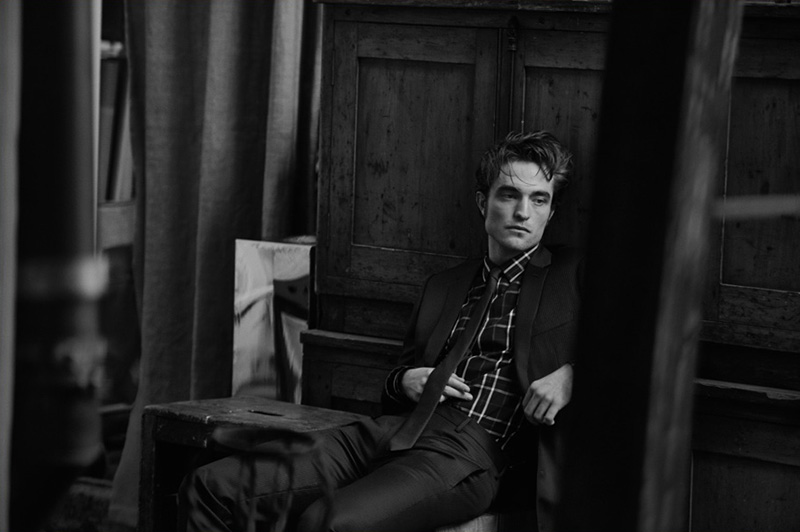 Robert-Pattinson-by-Peter-Lindbergh_fy5