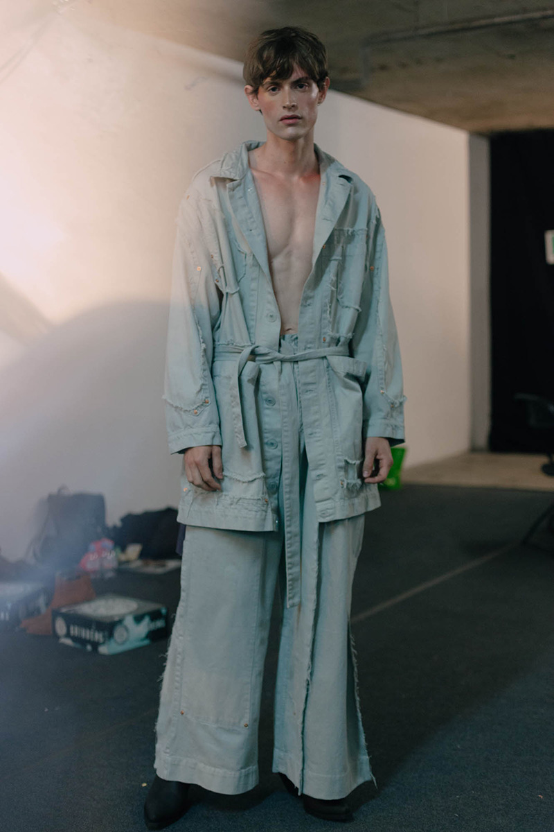 Alex-Mullins-SS17-Backstage_fy25