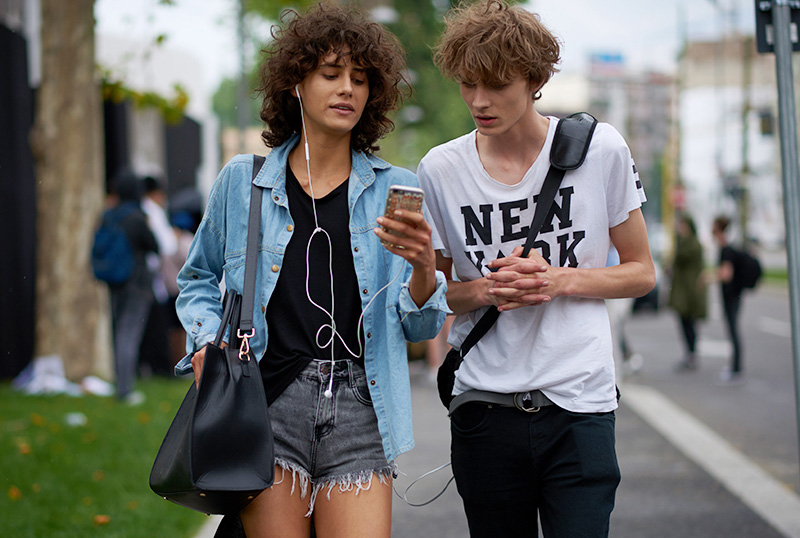 Models-off-Duty_mfw_ss17_fy27