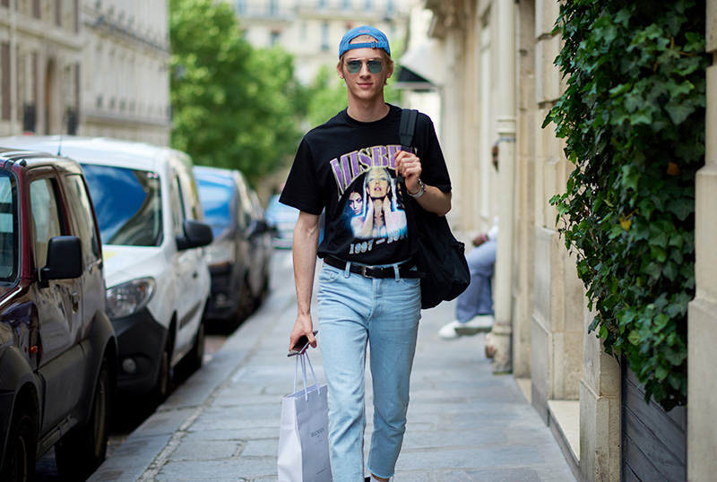 Models-off-Duty_pfw_ss17_fy47