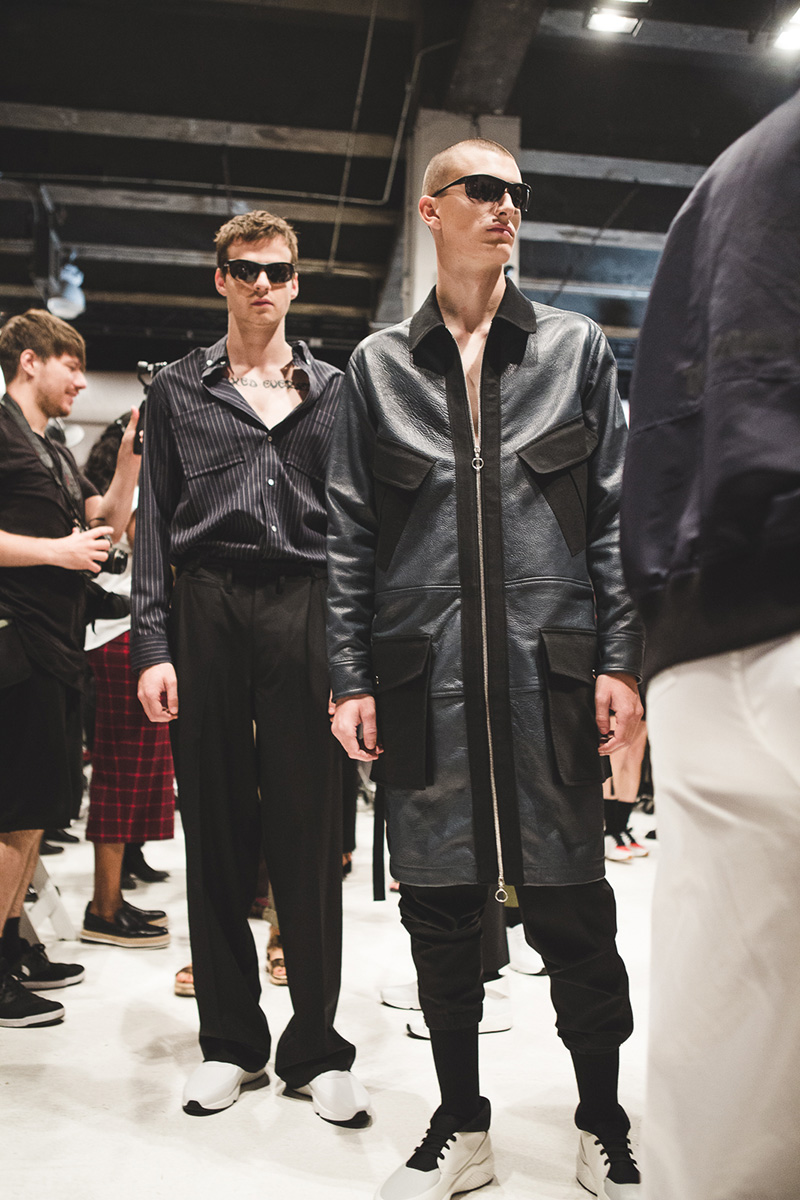 Tim-Coppens-SS17-Backstage_fy24