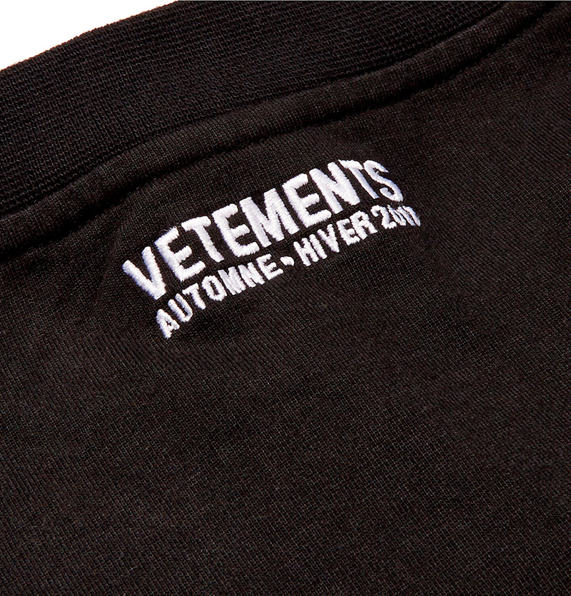 VETEMENTS.-Oversized-Printed-Cotton-Jersey-T-Shirt_fy5