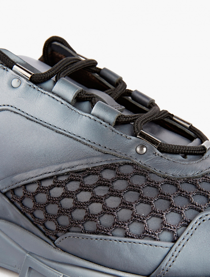 grey-spray-leather-and-mesh-sneakers_fy4