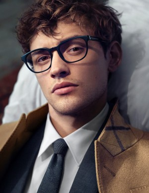 the-mr-burberry-eyewear-campaign_fy1