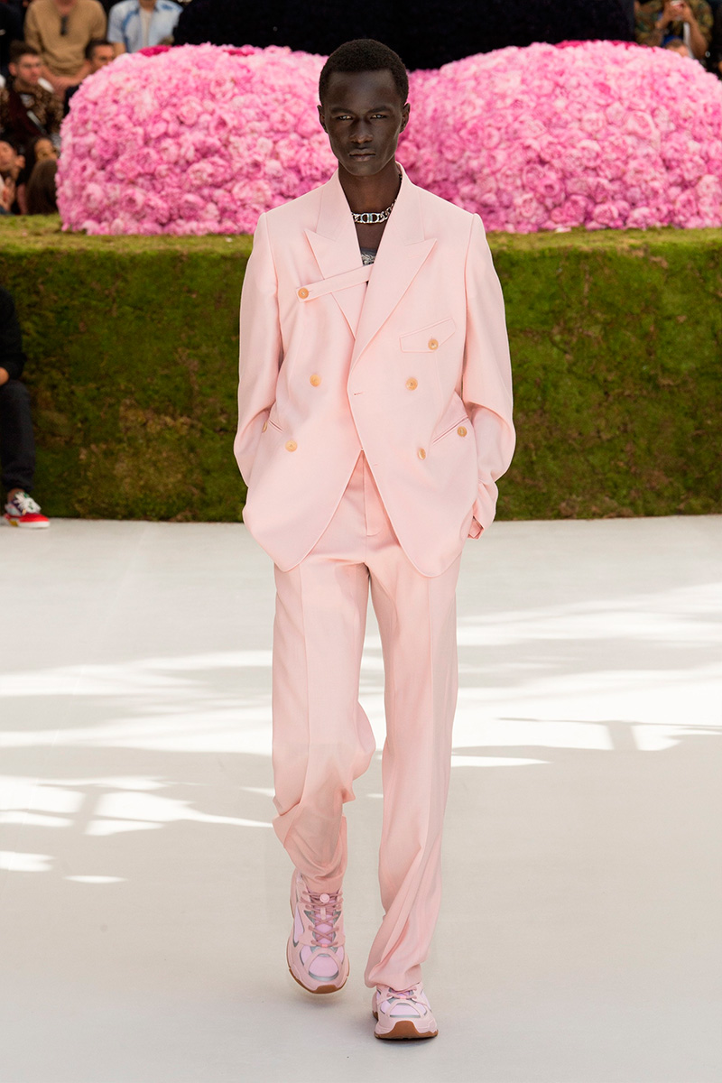 ce0e5e7957b8 Dior Homme s Spring Summer 2019 collection was definitely one of the most  anticipated shows of the week. Following the debut of Virgil Abloh at Louis  ...